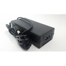 Alimentatore 12V 3000ma 3A con connettore dc maschio 5.5/2.1mm